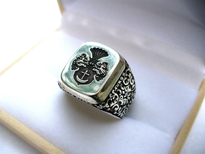 Big Man silver ring with family coat of arms Szeliga full crest with mantling